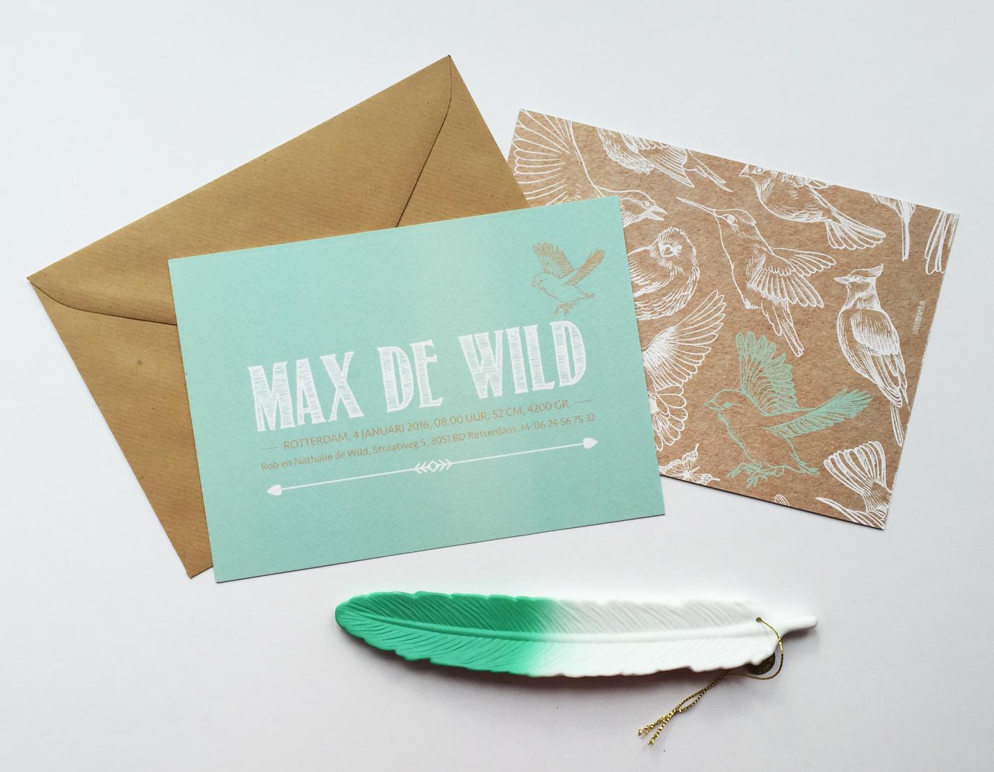 kraft envelop met mintgroen kaartje met vogels